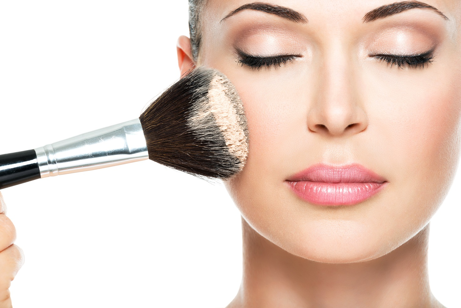 10 Natural Foundations For All Skin - www.topbeauti.com