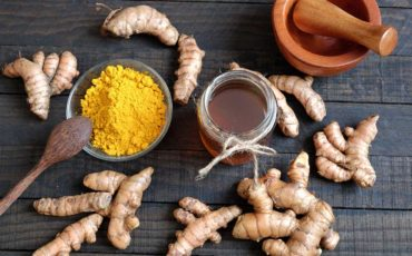 Turmeric-Honey Face Mask